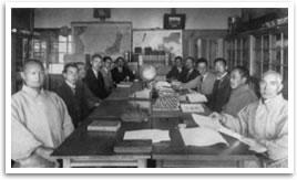 所沢実業学校職員室(昭和4年)