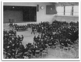 学園紛争で全校集会